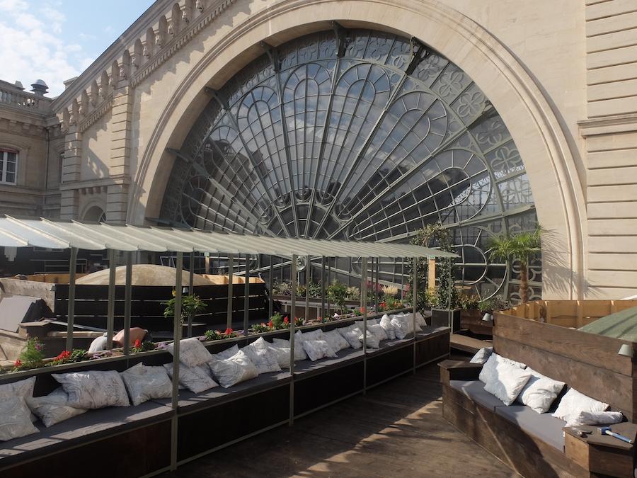 un nouveau perchoir sur le toit de la gare de l 39 est. Black Bedroom Furniture Sets. Home Design Ideas